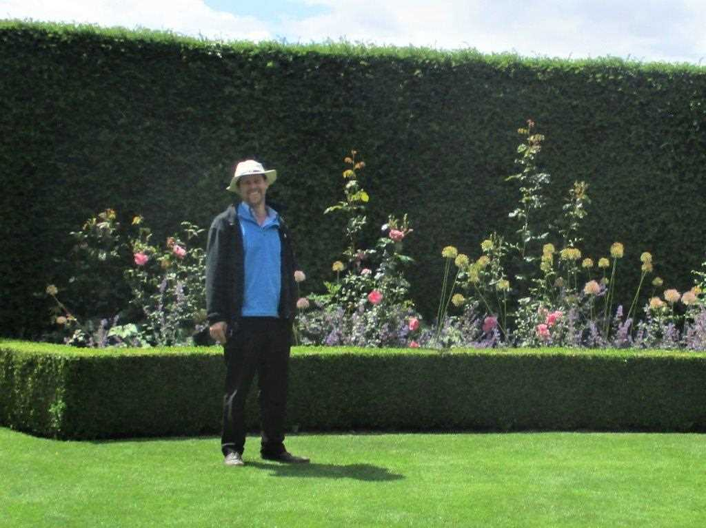 Richard walters garden designer