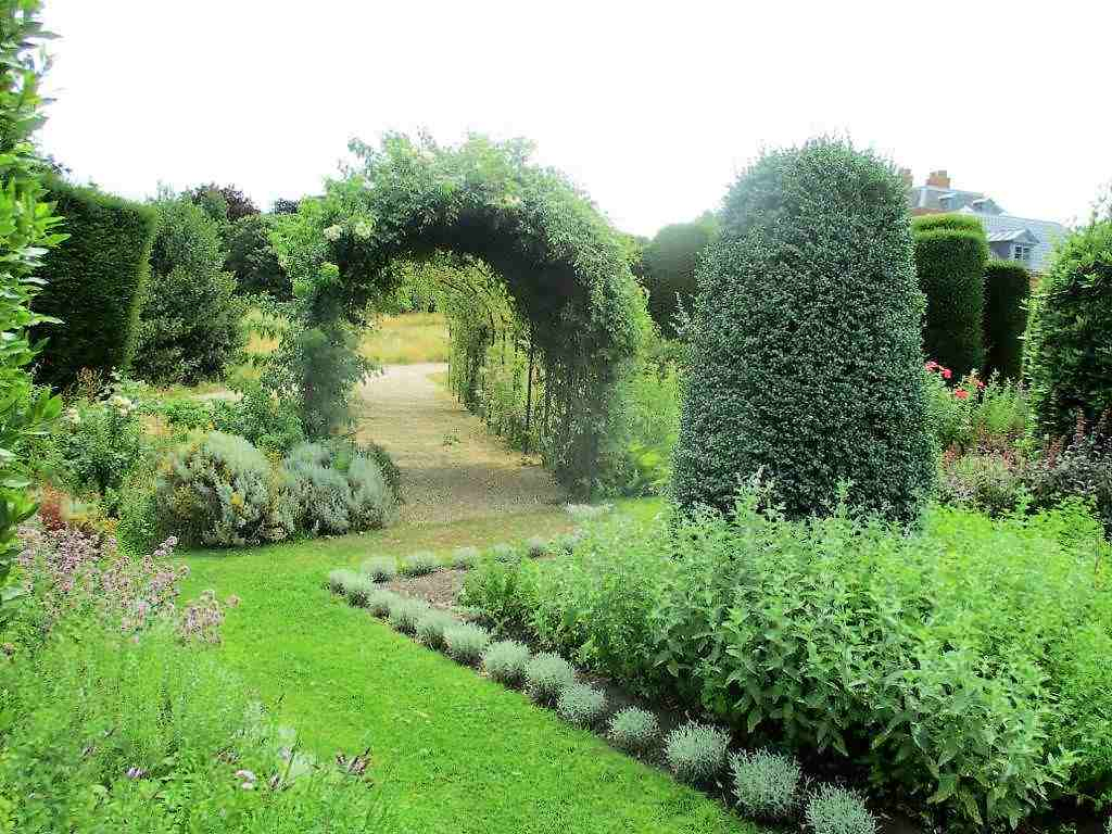The exit from the Herb Garden showing mediterranean herbs