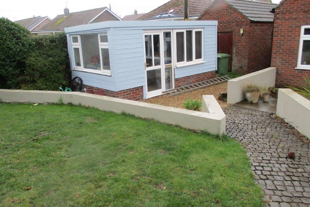 Photo of summerhouse before pergola